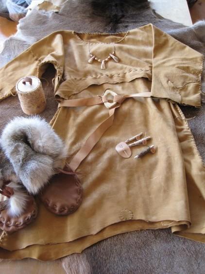 steentijd kostuum voor leskist Arnhem